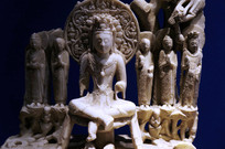 白玉雕坐佛像