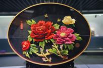堆绣花开富贵盘
