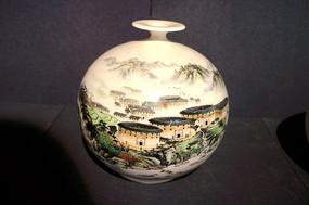 福建土楼图案瓷瓶