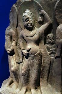 石雕残佛像