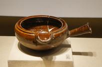 唐宋时期酱釉瓷匜
