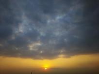 烟囱落日夕阳