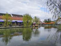 渔村小池塘