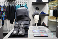 Y-3店铺产品展示特写图