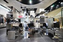 Y-3店铺图鞋架展示图