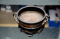 铜梅花纹鼎式炉