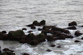 海中的礁石