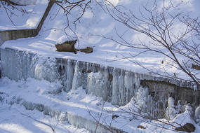 千山龙潭雪冰瀑布