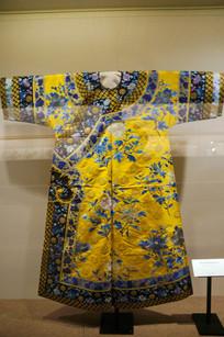 清光绪明黄色纱绣菊花寿纹单衬衣