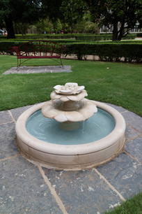 美国俄克拉荷马大学内的喷泉