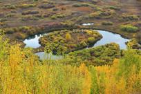秋色斑斓的马蹄湖