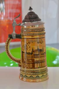 匈牙利布达城堡花纹瓷杯