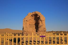 内蒙古阿拉善黑城遗址残迹