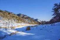 千山桃花溪谷山峰山林雪景