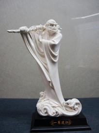一苇渡江人物雕像