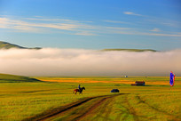 草原蓝天云雾风光
