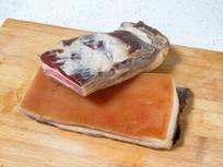 砧板上的腊肉