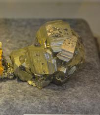 矿石原材料车轮矿