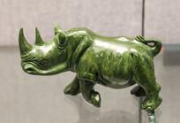 青石雕犀牛
