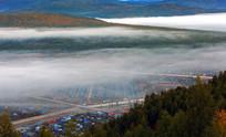 云雾中的莫尔道嘎镇