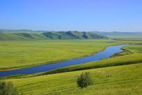 呼伦贝尔河流山岭草原风光