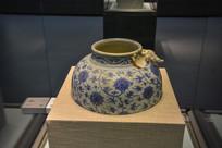 马来西亚博物馆藏品青花罐