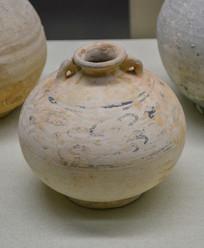马来西亚博物馆藏品棕釉双耳罐
