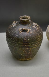 马来西亚博物馆藏品棕釉系罐