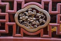 朱金雕刻海棠花