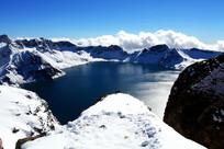 白雪石灰岩天池