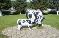 大牛小牛雕塑