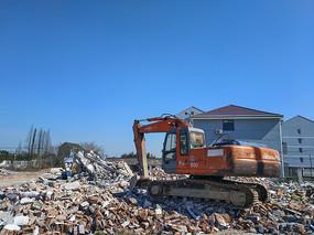 挖掘机拆迁工地