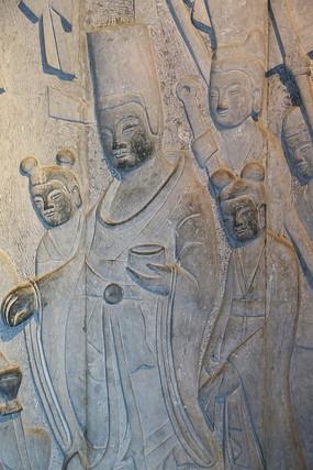 壁刻古代皇帝和宫女图案