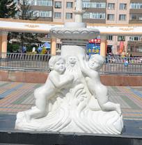 小孩刻画喷泉雕塑