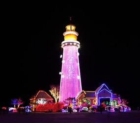 色彩斑斓的灯塔夜景
