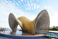 金编海蚌雕塑