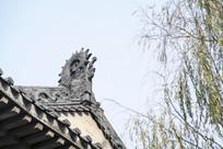 寺庙建筑局部吻兽