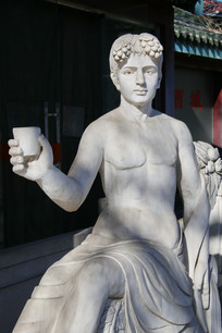 欧洲酒神雕像