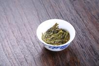 早春绿茶叶底