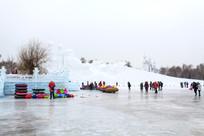 冰场冰雪滑梯