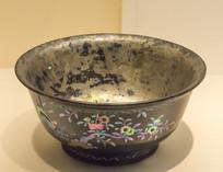 黑漆嵌螺钿碗