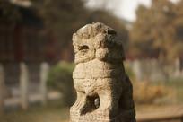 太原文庙拴马石的石狮雕塑