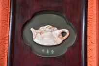 浮雕茶壶牛鼻壶