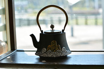 海山纹提梁石茶壶