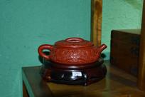 木雕桃纹檀木茶壶