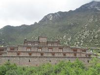 山上的古建筑风景图片