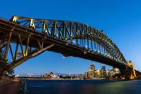 夜色中的悉尼大桥