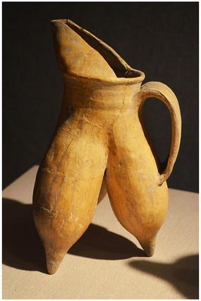 红山文化陶鬲