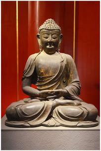 明代鎏金释迦牟尼坐像