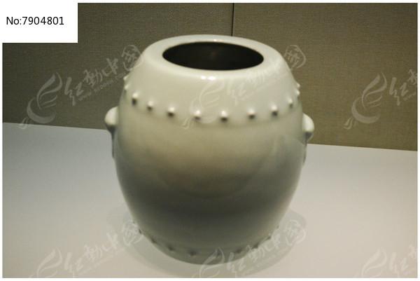 清乾隆冬青釉鼓式罐